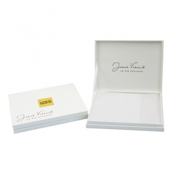 Custom White Chocolate Gift Boxes With PVC Insert